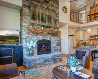 Mountain Home Retreat by RedAwning - Heber City - Soggiorno