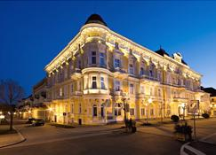 Spa Hotel Savoy - Frantiskovy Lazne - Rakennus