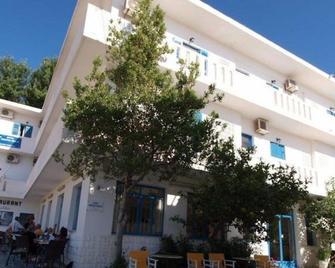 Serifos Beach Hotel - Livadi - Building