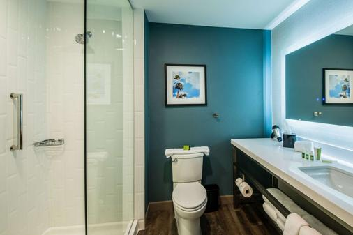 Cambria Hotel & Suites Mcallen Convention Center - McAllen - Bathroom