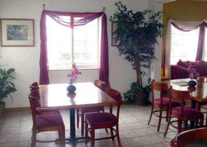 Rodeway Inn - Salina - Dining room