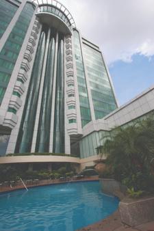 Pan Pacific Manila - Manila - Building