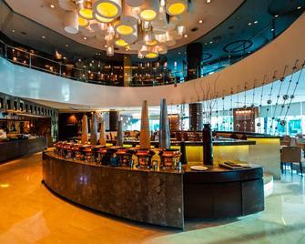 Crowne Plaza Greater Noida - Велика Нойда - Ресторан