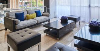 Best Western Plus Gran Hotel Centro Historico - Guadalajara - Living room