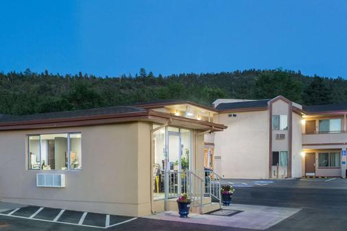 Travelodge by Wyndham Williams Grand Canyon - Уильямс - Здание