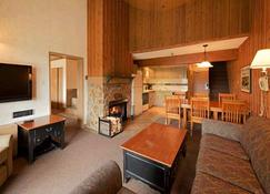 Douglas Fir Resort and Chalets - Banff - Salon
