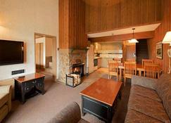 Douglas Fir Resort and Chalets - Banff - Sala de estar