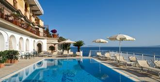 Hotel Belair - Sorrento - Bể bơi