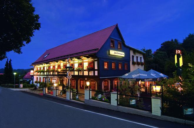 Romantik Hotel Zum Lindengarten - Jonsdorf - Building