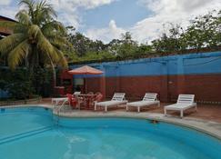 Poseidon Guest House - Iquitos - Piscine