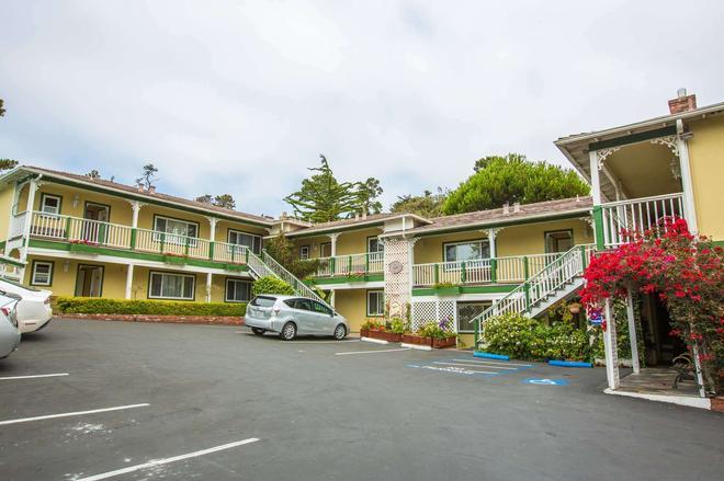 Carmel Inn And Suites - Carmel-by-the-Sea - Κτίριο