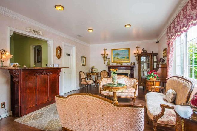 Carmel Inn And Suites - Carmel-by-the-Sea - Σαλόνι ξενοδοχείου