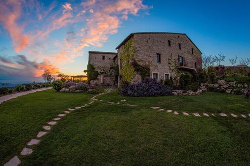 Castello DI Petrata - Assisi - Κτίριο