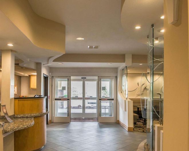 Comfort Suites - Monroeville - Lobby