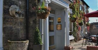 Stone Villa - Chester