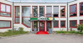 Autobahnrasthaus Und Motel Baden Baden - Baden-Baden