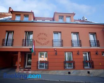 Hotel Barbakán - Pécs - Edificio