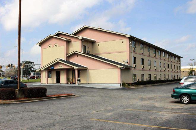 Knights Inn Albany - Albany - Toà nhà