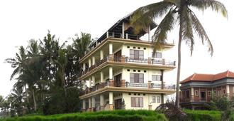 Nirwa Ubud Karma - אובוד - בניין