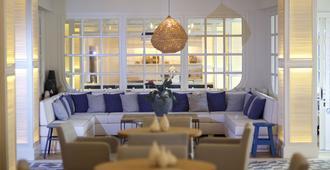 Hotel Els Pins - פלאטחה ד'ארו - טרקלין
