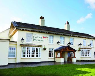 The Golden Pheasant - Knutsford - Building