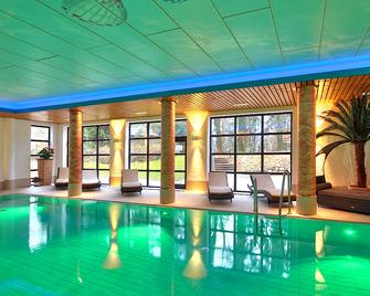 Yachthotel Chiemsee - Prien am Chiemsee - Pool