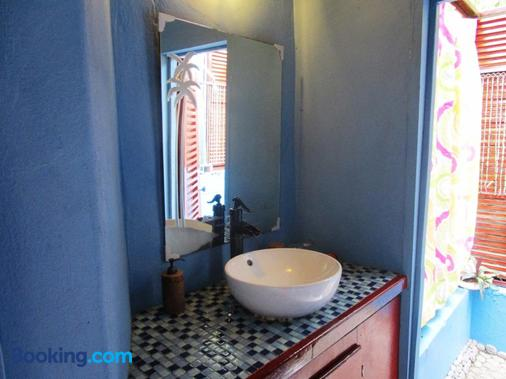 The Sweet Retreat - Port Elizabeth - Bathroom