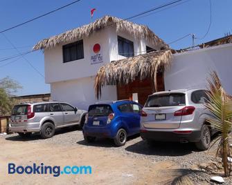 Bungalows Rupay Wasi - Los Organos - Building