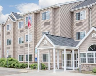 Microtel Inn & Suites by Wyndham Mansfield - Mansfield - Building
