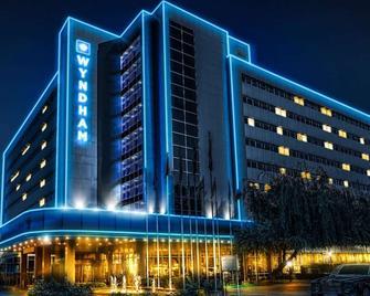 Wyndham Tashkent - Taškent - Building