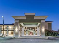 Super 8 by Wyndham Cotulla TX - Cotulla - Building