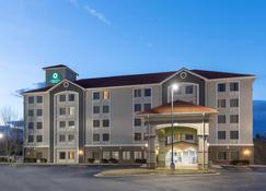 La Quinta Inn & Suites by Wyndham Atlanta Douglasville - Douglasville - Rakennus