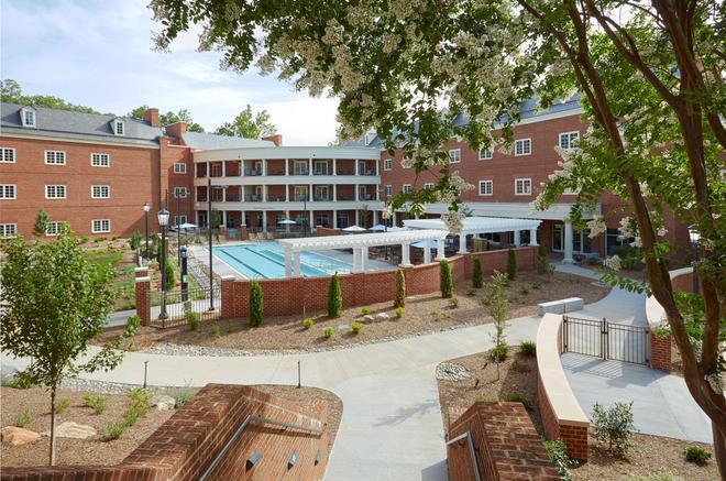 Rizzo Center - Chapel Hill - Rakennus