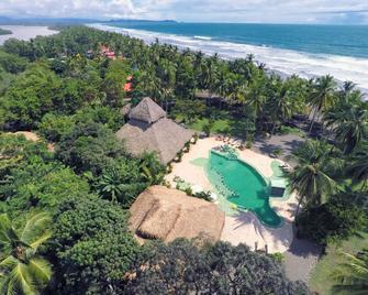 Clandestino Beach Resort - Parrita - Beach