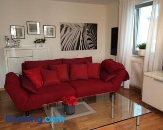 Ferienwohnung Central - Bad Buchau - Living room