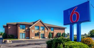 Motel 6 Buffalo - Amherst - Amherst - Gebäude