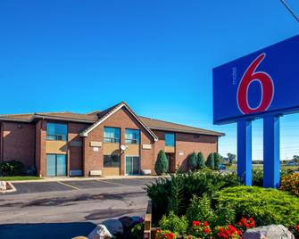 Motel 6 Buffalo - Amherst - Amherst (New York) - Building