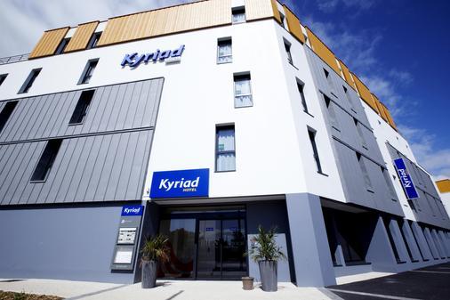 Kyriad La Rochelle Centre - Les Minimes - La Rochelle - Building