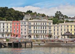 Commodore Hotel - Cobh - Κτίριο