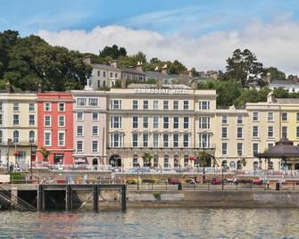 Commodore Hotel - Cobh - Edificio