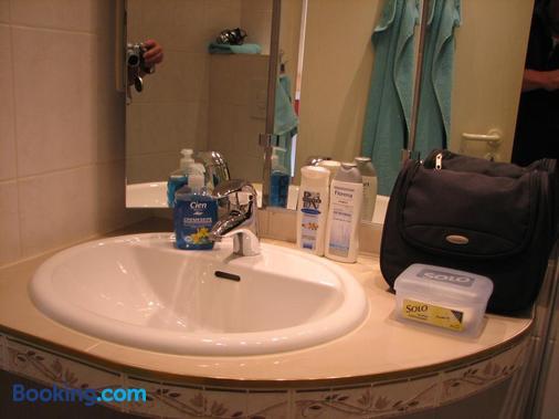 Hotel-Pension Lydia - Berlin - Bathroom