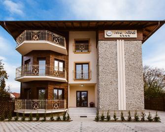 Ave Alba - Alba Iulia - Building