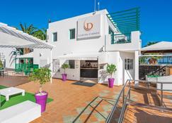 Club Del Carmen by Diamond Resorts - Tías - Building