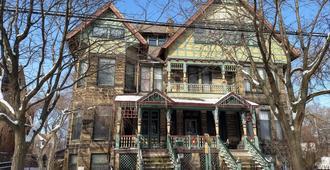 Stone Gables Inn - Cleveland - Edificio