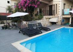 Iliana Apartments - Agia Marina - Alberca