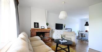 A Place Like Home Apartamenty Horeszkow - Danzig - Wohnzimmer