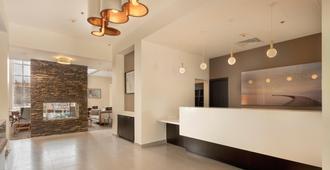 Staybridge Suites Silao - Silao - Rezeption