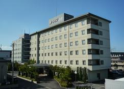 Hotel Route-Inn Shin Shirakawa Eki Higashi - Shirakawa - Κτίριο