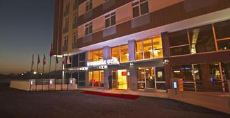 Verman Hotel - เอสเกซีเฮียร์