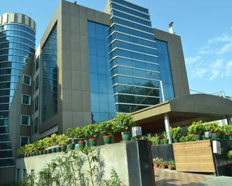 Rivatas By Ideal - Varanasi - Edifício
